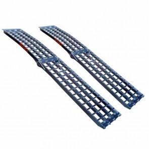 Rampe courbée pliable en alu L 244cm L: 43 cm, profil antidérapant d'une capacité maximum de 650kg/pièce. VENDU PAR PIECE